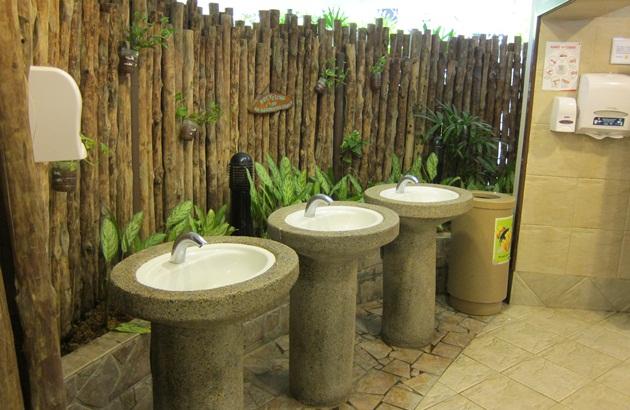 亚历山大医院里的动物园厕所,击败890个对手,荣获康乐公厕计划大奖.
